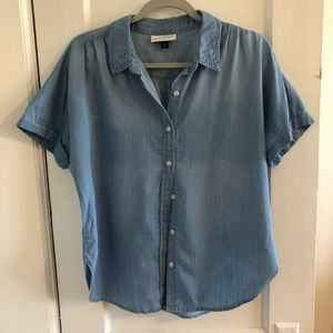 Chambray Universal Thread button-down top